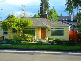 Rainddrops-on-Roses-Guesthouse - Eugene vacation rentals