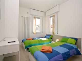 Venice Res. Elisabeth - Via Bonaiuti 1st Fl. Left - Mestre vacation rentals