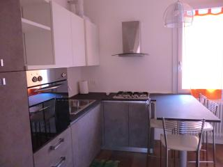 Venice Res. Elisabeth - Via Bonaiuti 2nd Fl. Left - Mestre vacation rentals