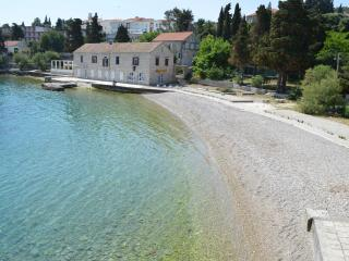 Cozy 3 bedroom Townhouse in Korcula Town with Internet Access - Korcula Town vacation rentals