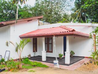 Amilo house - Weligama vacation rentals