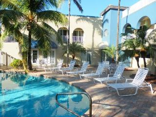 Blue Ocean Villas 3 Oceanfront 4 bedrooms Heated Pool - Pompano Beach vacation rentals