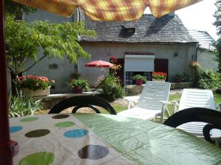 Nice Gite with Balcony and Parking - Le Lardin-Saint-Lazare vacation rentals