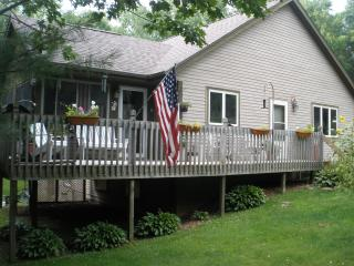 Perfect House with Deck and Internet Access - Valparaiso vacation rentals