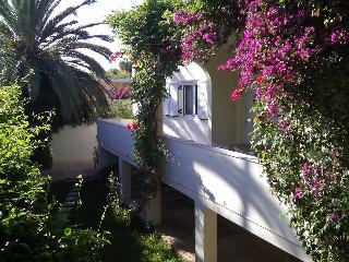 Cozy 2 bedroom House in Lagonisi with A/C - Lagonisi vacation rentals