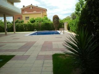 Edifici Anton (La Pineda) - La Pineda vacation rentals