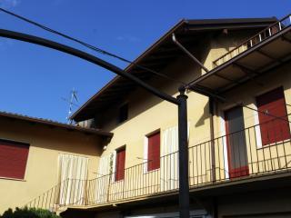 Appartamento nel centro storico - Moniga del Garda vacation rentals