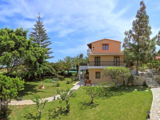 Bright Villa with Dishwasher and A/C in Karteros - Karteros vacation rentals