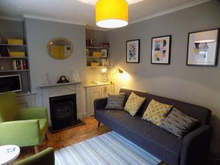 Retro modern cottage in Sandwich, Kent - Sandwich vacation rentals