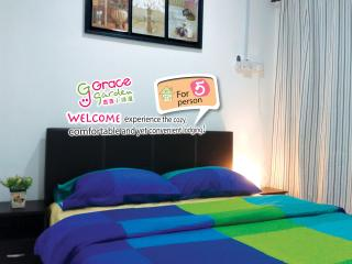 5 mins walk - Jonker Walk 5 Pax (Sun-Thur only) - Melaka vacation rentals