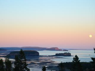 Perfect Cottage with Deck and Dishwasher - Parrsboro vacation rentals