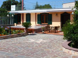 Nice Bed and Breakfast with Internet Access and A/C - Ercolano vacation rentals