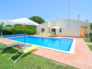 Private, non-overlooked 3 bedroom villa- Casa Nova - Vilamoura vacation rentals