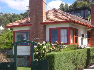 Avarest comfortable 3br house great ocean views - Lorne vacation rentals