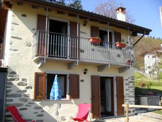Nice Cottage with Balcony and Central Heating - Miazzina vacation rentals