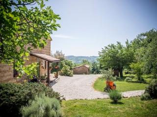il casale di aurora country house with pool - Colmurano vacation rentals