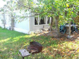 Nice Caravan/mobile home with Internet Access and A/C - Prunelli-di-Fiumorbo vacation rentals