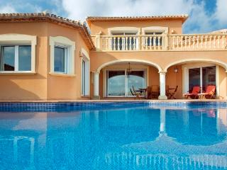 Luxurious villa with private pool near golf Denia - Denia vacation rentals