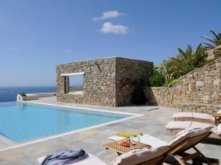 Amazing  villa / pool breathtaking view .Villa Joy - Ano Mera vacation rentals