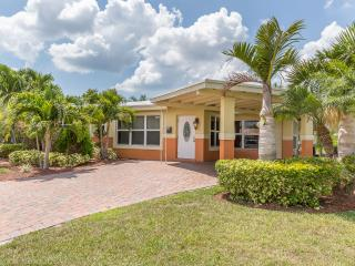 Nice House with Deck and Internet Access - Pompano Beach vacation rentals