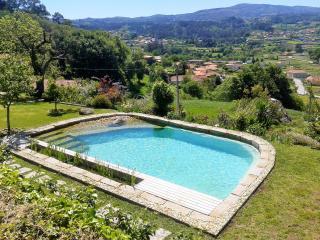 Linda paisagem com piscina privativa no Alto Minho - Paredes de Coura vacation rentals
