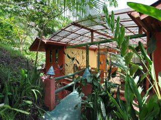 Perfect Bungalow with Internet Access and A/C - Quepos vacation rentals