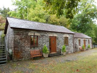 Llety Merlen ,Cafe, Waterfall, Pub & Train -195748 - Devil's Bridge (Pontarfynach) vacation rentals