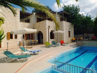 Villa Marcos-Hara, 5 bedrooms, private pool! - Asteri vacation rentals