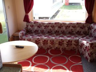 Park Resorts Static Caravan 2 Bed Near Clacton - Clacton-on-Sea vacation rentals