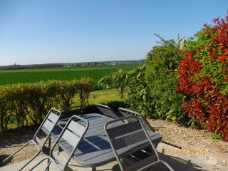 Nice 3 bedroom Orleans Gite with Dishwasher - Orleans vacation rentals