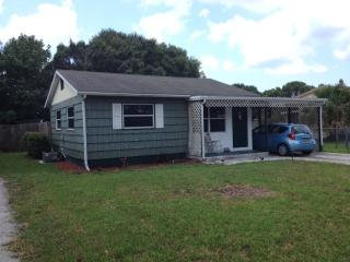 Sweet 3 bed 2 bath cottage near Fort Myers - Punta Gorda vacation rentals