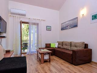 Zlataric Apartments: Luxury Holiday Apartment - Stari Grad vacation rentals