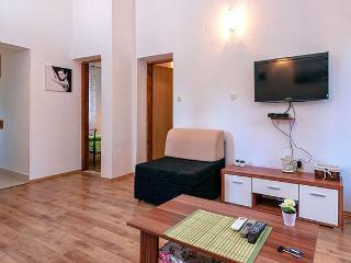 Perfect 1 bedroom Stari Grad Apartment with Internet Access - Stari Grad vacation rentals