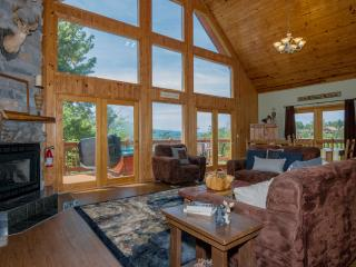 Open Mar 24-26 ~'Window to Paradise'~3 KG Mstr Sts, Amazing Mtn Views, Fab Gm Rm - Gatlinburg vacation rentals