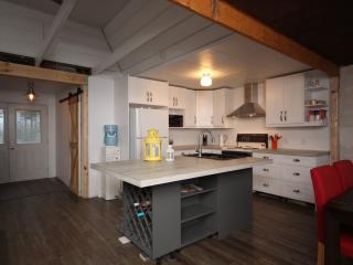 Southern Georgian Bay Beach House / Cottage - Tiny vacation rentals