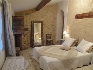 Charming 1 bedroom Gite in Monteux - Monteux vacation rentals