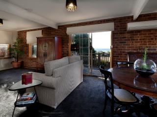 Nice 2 bedroom Townhouse in Burnie - Burnie vacation rentals