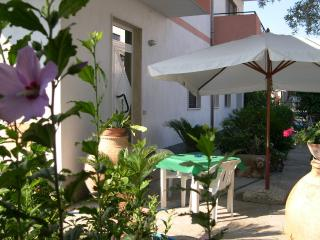 Romantic 1 bedroom Townhouse in Locri - Locri vacation rentals