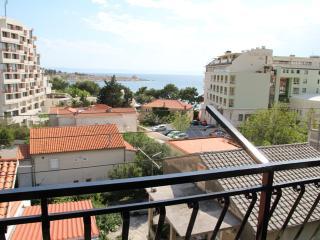 Studio Apartment Lola with sea view Makarska - Makarska vacation rentals