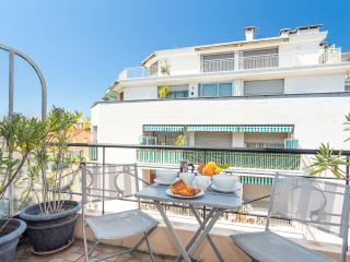 ALBERTI - Bright city centre studio - Nice vacation rentals