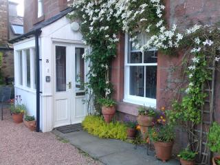 Beautiful 3 bedroom Cottage in Alyth with Internet Access - Alyth vacation rentals
