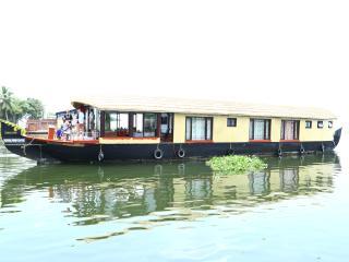 sreekrishna daycruise houseboat - Alappuzha vacation rentals