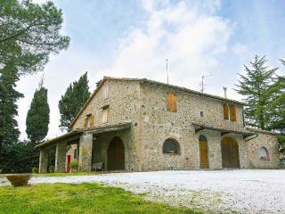 Casa Vacanze Benestare_CIPRESSO - Gambassi Terme vacation rentals