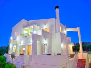 Nice Villa with Internet Access and Short Breaks Allowed - Drapanias vacation rentals