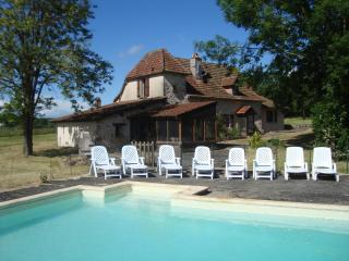 Perfect Farmhouse Barn with Internet Access and Outdoor Dining Area - Reyrevignes vacation rentals