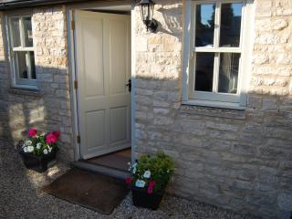 Lovely Bungalow with Balcony and Central Heating - Northleach vacation rentals