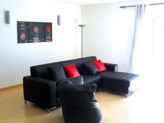 Modern apartment close to the beach - Port de Pollenca vacation rentals