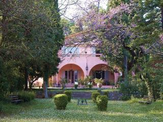 The Villa Averoff, historic estate in Evia island - Kirinthos vacation rentals