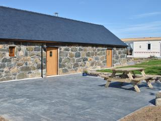 2 bedroom Cottage with Satellite Or Cable TV in Rhiw - Rhiw vacation rentals