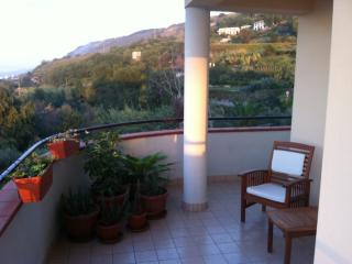 2 bed, 2 bath apartment close to Pizzo with pool - Pizzo vacation rentals